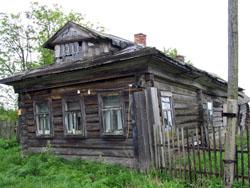 с. Вирма. Традиционный поморский дом. 17.06.2004