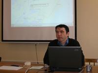 Зав. отделом информационных технологий ИМЛИ д.ф.н. Кляус читает доклад о новых методах полевой работы. 16.04.2008 г